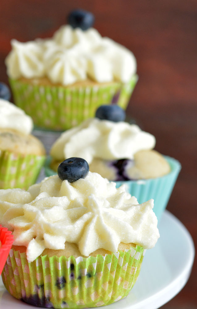 Blueberry Cream Cheese Frosting Cupcakes - Masalakorb