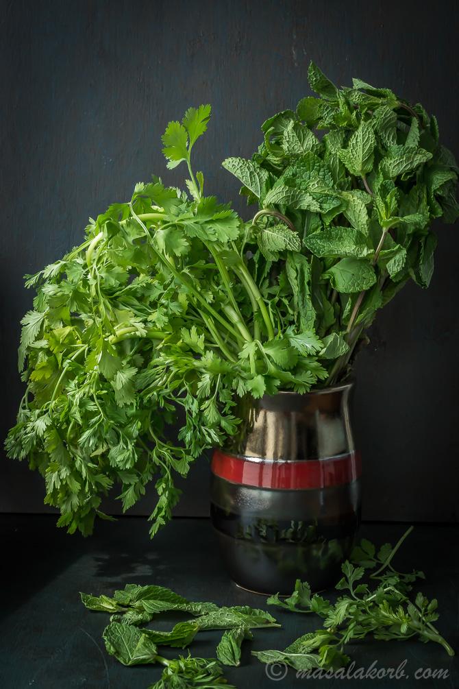 Mint & Coriander herbs