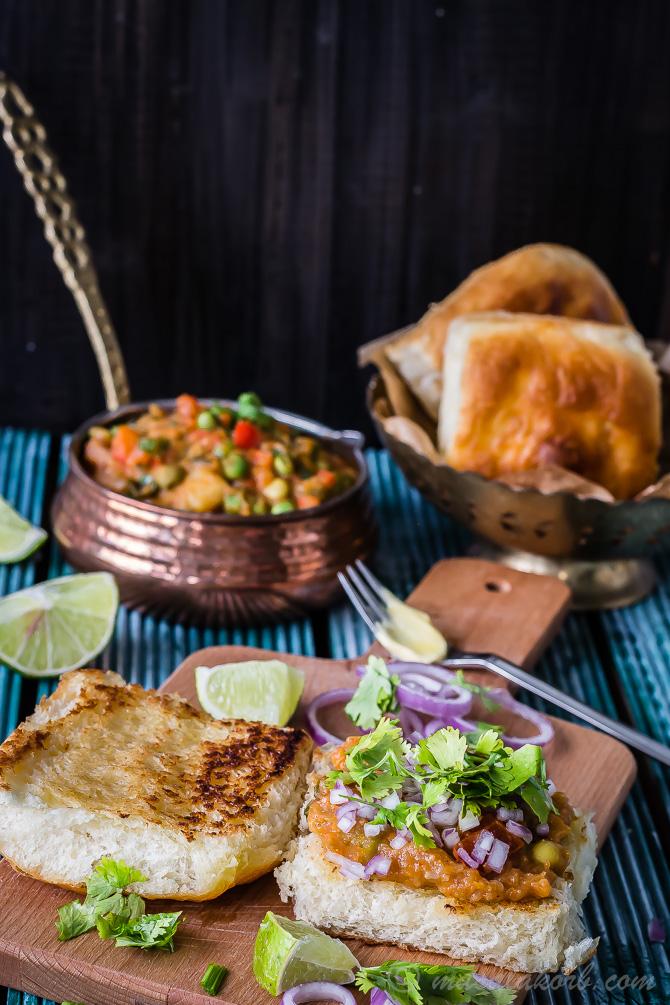 Mumbai Special Pav Bhaji Recipe, How to make Pav Bhaji at home